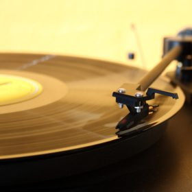 Old Fashioned Record Player | How Does Music Affect the Mind and Body